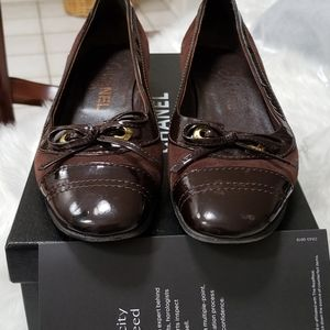 Chanel size 361/2  brown leather  flats
